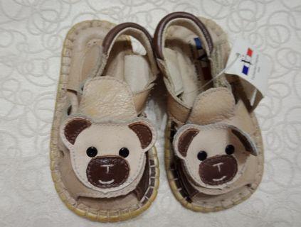 🚚 范倫鐵諾童鞋