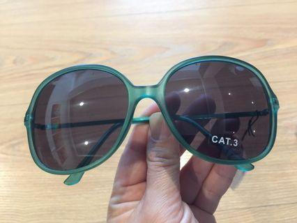 🚚 漂亮新穎透明祖母綠太陽眼鏡/墨鏡🕶️