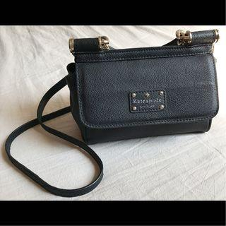 🚚 【斷捨離-狀況如圖】Kate Spade New York 黑色荔枝皮小跨包手提包