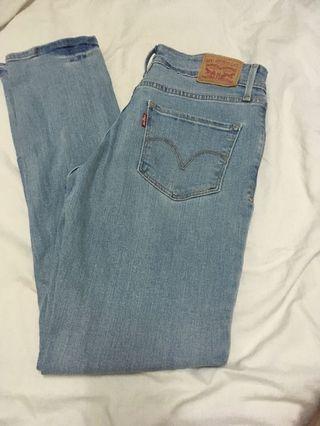 Levi's denim jeans mom