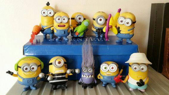 Assorted Minions in Bundle