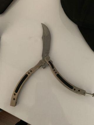 🚚 Butterfly knife