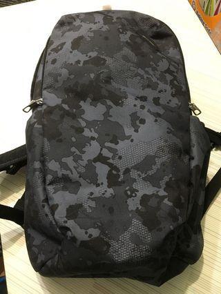 🚚 Pacsafe VIBE 25 防盜雙肩背包(25L)(迷彩灰)