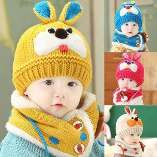 Baby cute winter cap with neck scarf