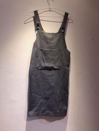 🚚 灰色針織吊帶裙