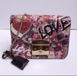 🚚 FURLA Metropolis Mini Love Hearts Cross Body