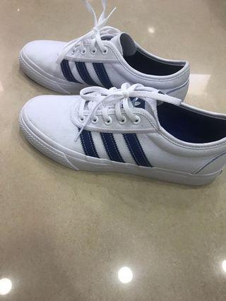 Adidas白鞋