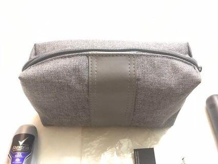 Emirates Bvlgari toiletries bag (for men)