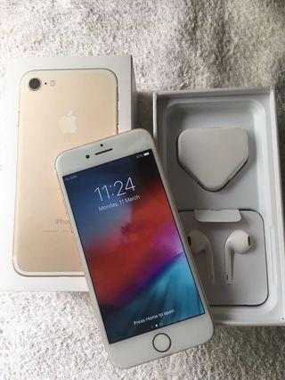 Brand new iphone in box iphone 7 32gb. No warranty