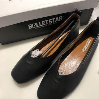 Black Leather Flats/Flat Shoes