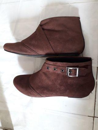 Brown Boots Fladeo