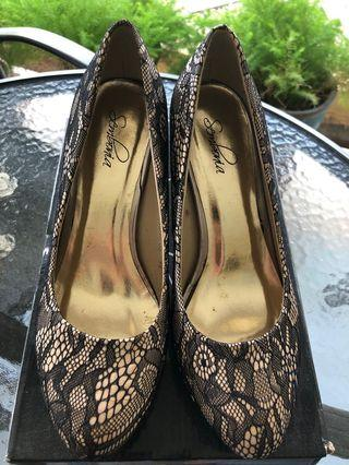 Sembonia Lace Shoes