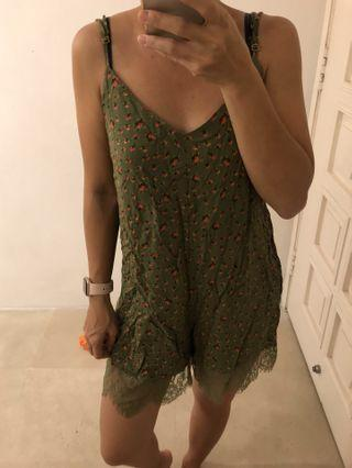 🚚 Pull and bear romper