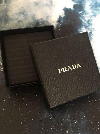 Prada gift box 禮物盒