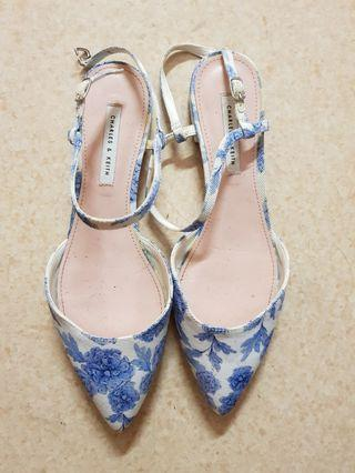 🚚 Charles and Keith Floral Sandals