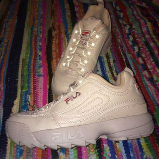 Fila Disruptors Woodrose Nude size 8.5 perfect condition