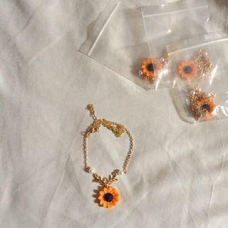 (READY STOCK) Sunflower Flower Necklace Pendant Charm