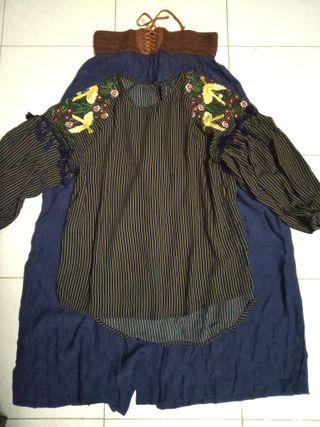 Embroidery Top Size M