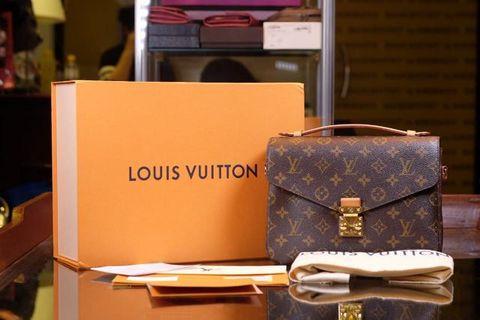 *REPRICED* Louis Vuitton Metis Mono 2017 box, db, rec spore + tax invoice, strap, barcode, tag  *buckle masi sealed*