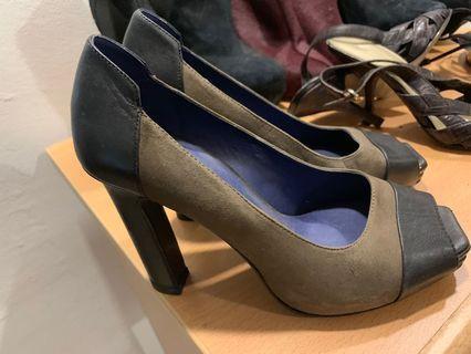 Eqiq heels