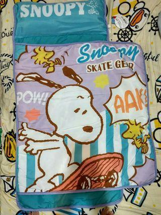 易携日本景品 Peanuts Snoopy花生史努比 bb 薄毛毯被連枕頭睡墊