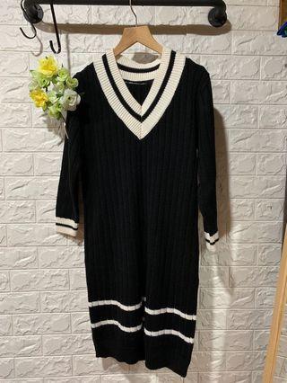 🚚 V領拼接針織毛衣洋裝-黑白色