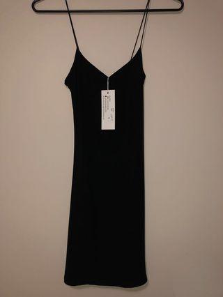 Luxe dress size 6 slinky LBD