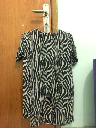 Blouse motif zebra / atasan motif hitam putih /