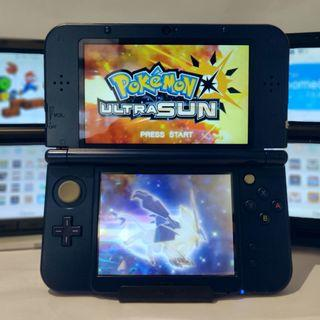 Nintendo 3ds + Pokemon Ultra Sun + 800 Games + Charger + Case
