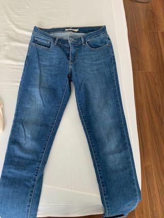 Levi's skinny jeans size 27