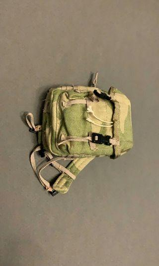 1/6 scale toy army soldier green back bag