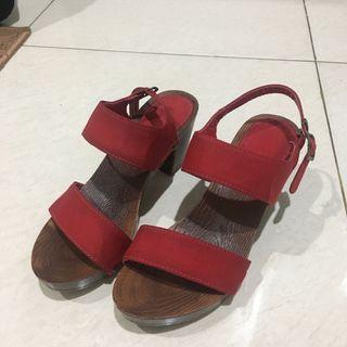 Red Wedges Marie Claire / Sepatu Merah