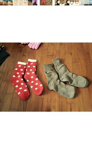 Pokka Dots / brown socks