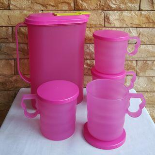 Fridge jug with mugs