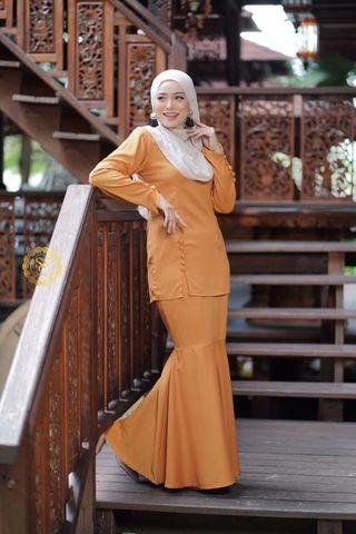 LILY BUTTON KURUNG