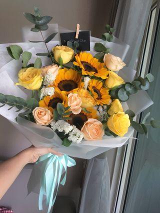 🚚 Cheerful bright bouquet