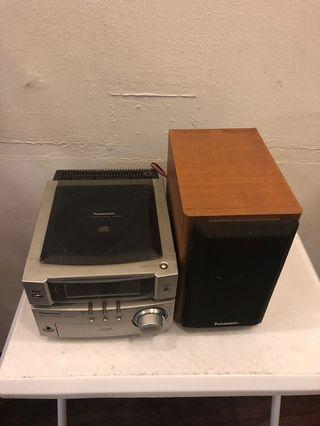 Old radio player for sale