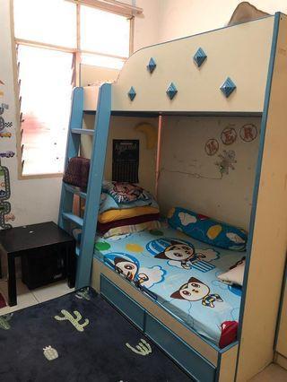 Set bilik budak utk dilepaskan...