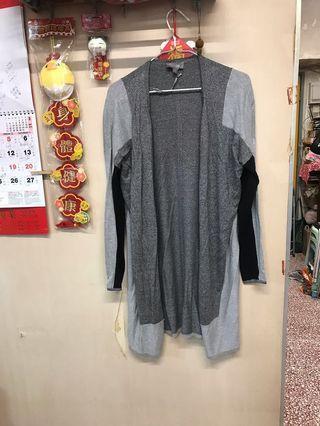 Women's knitted long cardigan