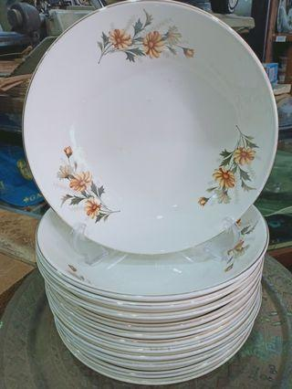 Vintage Plate- lily