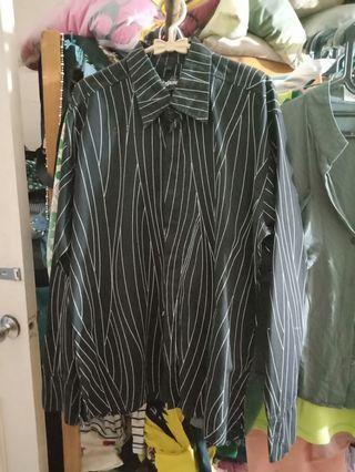Kemeja fashion stripes