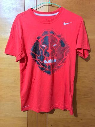 🚚 Nike 衣物出清便宜賣