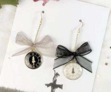 🚚 Alice in Wonderland Bow + Clock Earrings