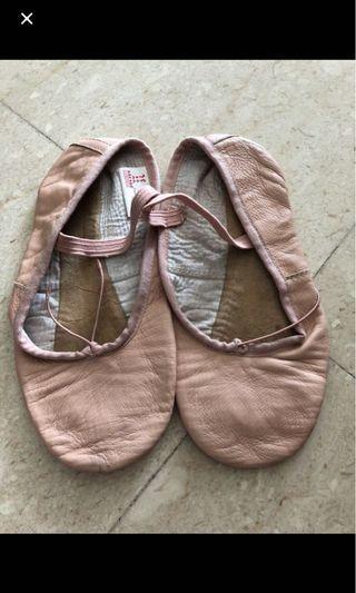 Ballet shoes 1D