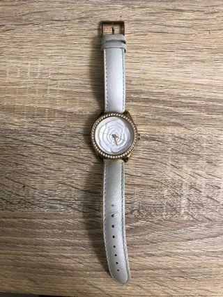 🚚 Guess 時尚腕錶 白色玫瑰~很少帶 大概8.9成新