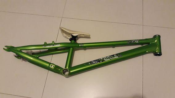 """Because street/trial 24"""" alloy frame"""