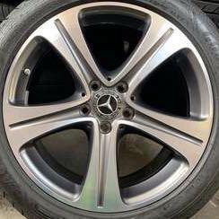 "🇩🇪Original Mercedes GLC 200 18""Stock Rim with Pirelli tire"