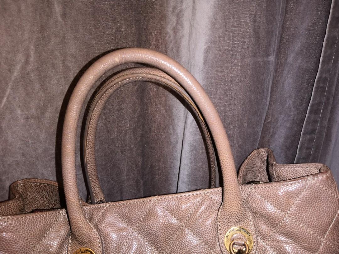 0efd4ea37f674d 💯Authentic Chanel shiva charm tote, Barangan Mewah, Beg dan Dompet ...