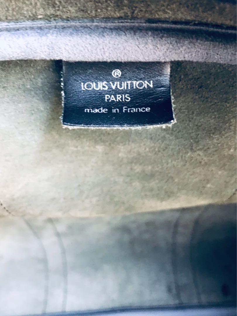 Authentic Vintage Louis Vuitton Taiga Boston Bandolier