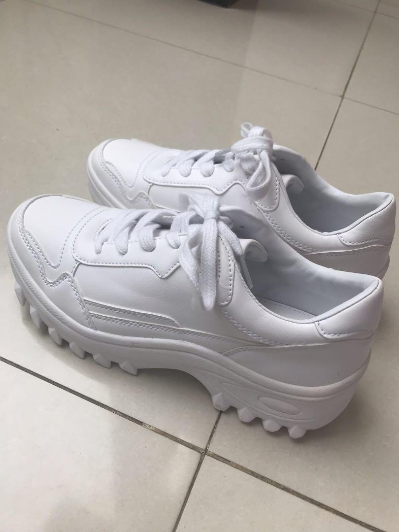 574f7c1e63e6 Bershka White Platform Sneakers